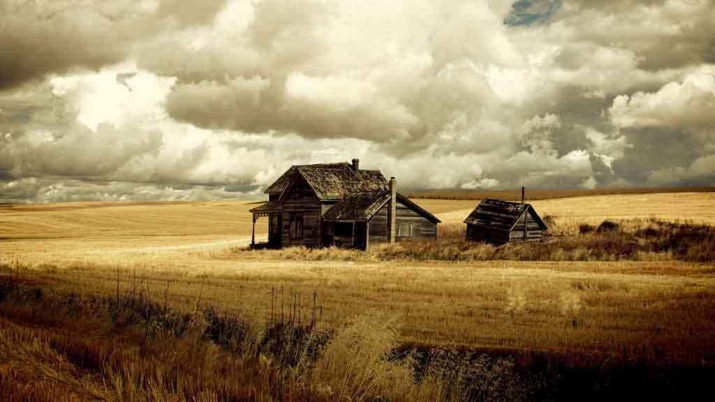 a house on a farm