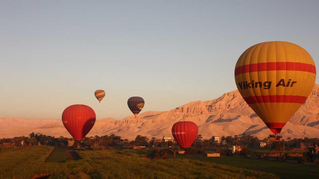 hot air ballons over egypt