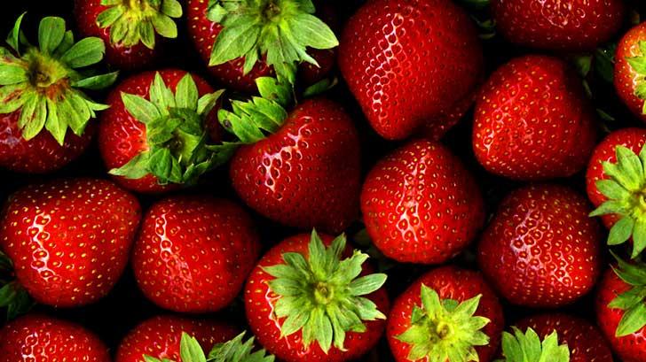 where did the word strawberry originate